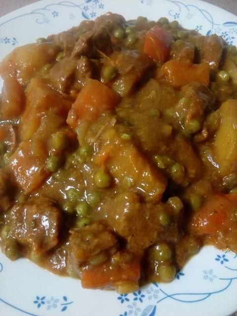 EASY CHUNKY CURRY BEEF & VEGIE CASSEROLE  - Cook low 8hrs