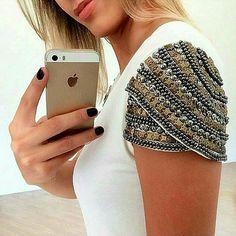 #mulpix De voltaaa... Blusa Off white bordada mangas!!! Cores: Preta, Branca e…