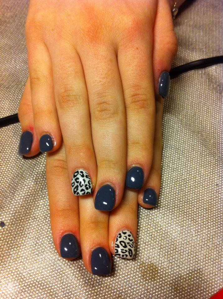 Unghie grigie e leopardate gel