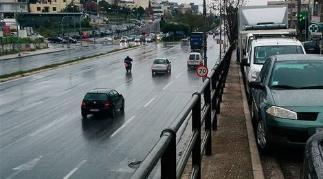 Ένα από τα χειρότερα προβλήματα που μπορεί να έχει μια πόλη είναι ο μη σεβασμός στον άνθρωπο, στον πολίτη. Σε αυτόν που θα πάρει το αμάξι του, το μηχανάκι του, το ποδήλατό του, το αναπηρικό του καροτσάκι ή τα πόδια του και θα βγει στον δρόμο.