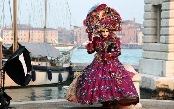 Women's costumes Carnival costumes Venice