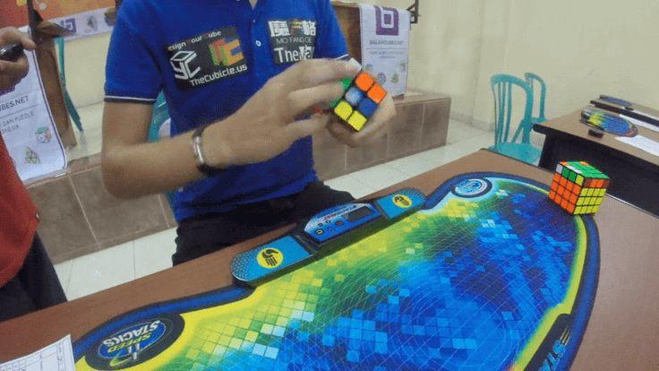 ❝ Nuevo récord mundial de cubo de Rubik [VÍDEO] ❞ ↪ Vía: Entretenimiento y Tecnología en proZesa