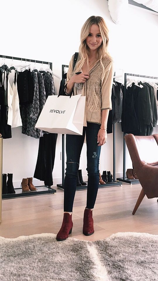 Lauren Bushnell In Dolce Vita Seth Boot. We love a red statement boot #celebstyle