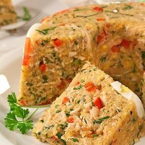 Como fazer cuscuz à paulista. O cuscuz é um prato árabe que no Brasil é tipicamente preparado com farinha de trigo ou polvilho, de mandioca, arroz ou milho. É um alimento muito fácil de preparar e que pode ser acompanhado de vário...