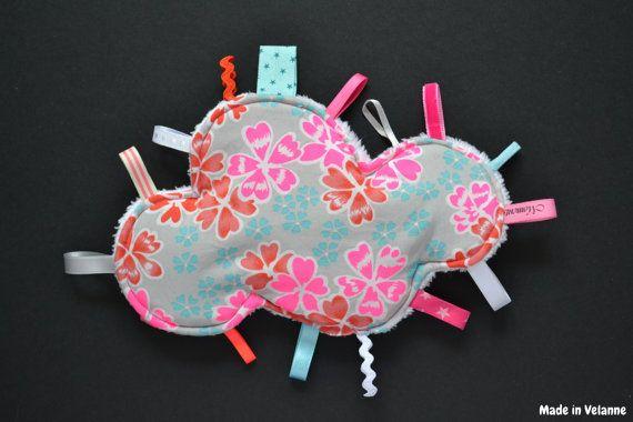 New Doudou nuage fleurs et fluo par MadeinVelanne sur Etsy, €14.50