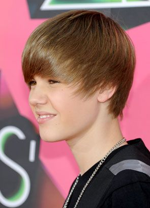 Justin Bieber with his old hairstyle I went crazy for Justin's hair flip and let's be honest.... I still do