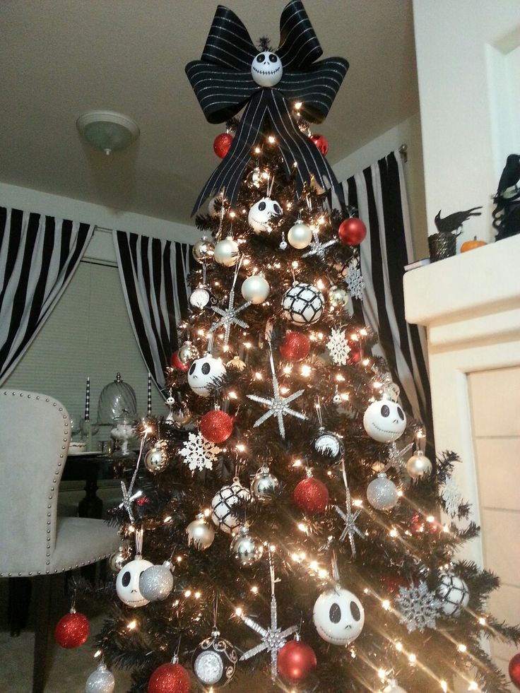 Disney Nightmare Before Christmas Tree [Tumblr]