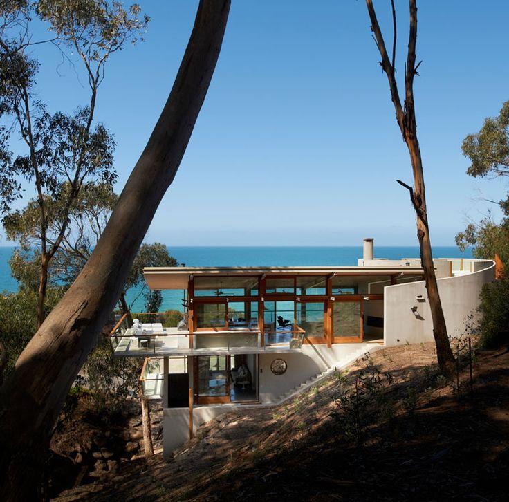 Ocean House by Australian architect Robert Mills.