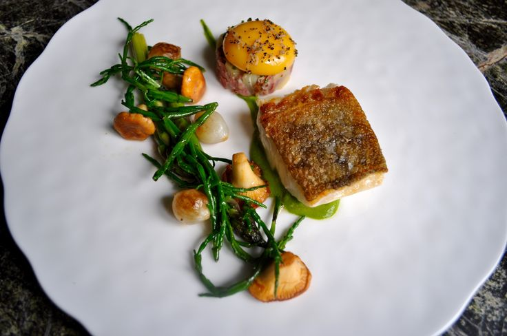 Anyone hungry? Pan fried local fish with Samphire and pea puree, Langdon Court fine dining    #food #foodporn #foodstagram #foodinspiration #foodphotography #foodheaven #foodlovers #restuarant #finedining #finedininglovers #devon #southhams #plymouth