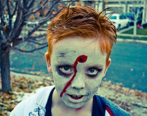 Versione n.10 del trucco da zombie per bambini per Halloween