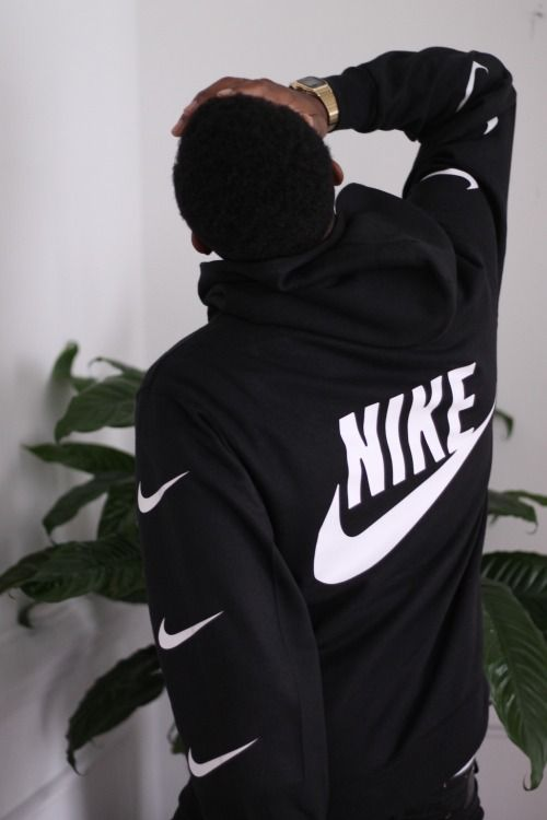 Awesome Nike hoodie, no idea of the name though.