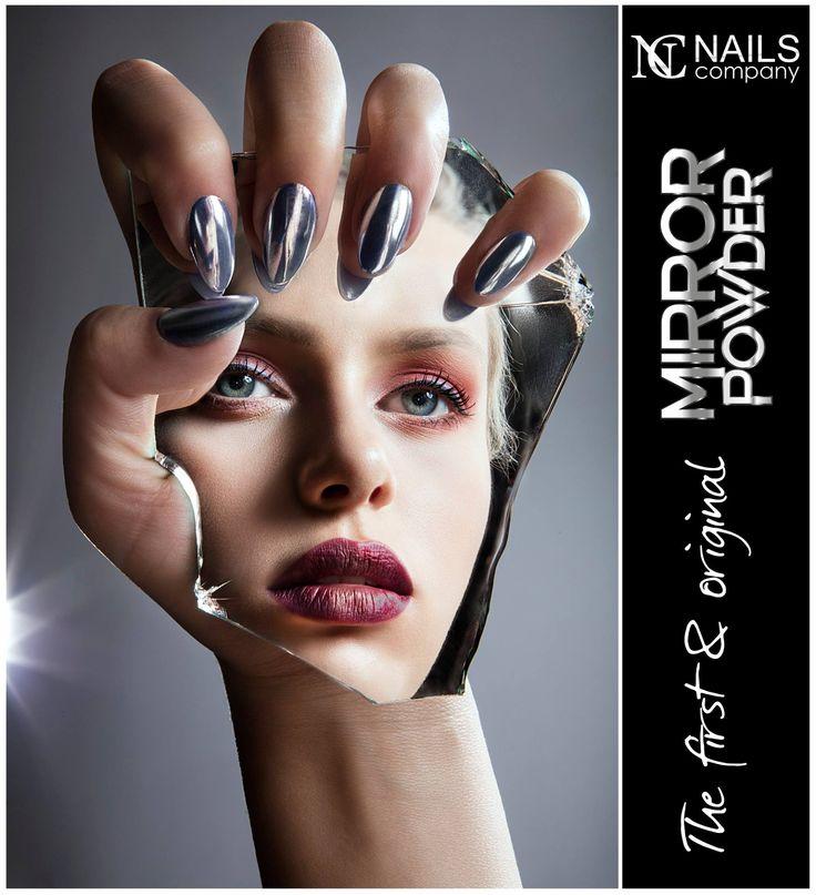 Mirror Powder - Summer / Autumn 2016 HIT Extremely easy application will make your nail surface glow and reflect as a mirror.  We fell in love with it at first sight. http://nailscompany.eu/pl/mirror-effect/2740-mirror-powder.html ---> Mirror Powder HIT lata/jesieni 2016  Niezwykle łatwa aplikacja pozwala na uzyskanie efektu tafli lustra na paznokciach.  Paznokcie nigdy nie miały takiego blasku.  My zakochaliśmy się w nim od pierwszego wejrzenia.