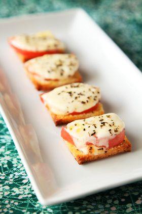 山芋のシャキシャキ感にサラミチーズでイタリアンの味をプラス。ワインもビールも進みます。