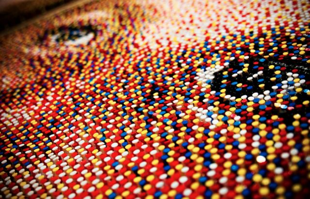 Pushpin Portraits – Fubiz™