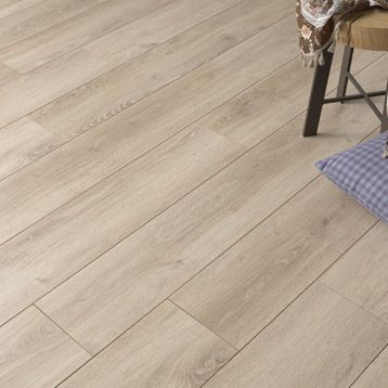 Sol stratifi strong elite d cor victoire leroy merlin for Parquet carrelage paris 17