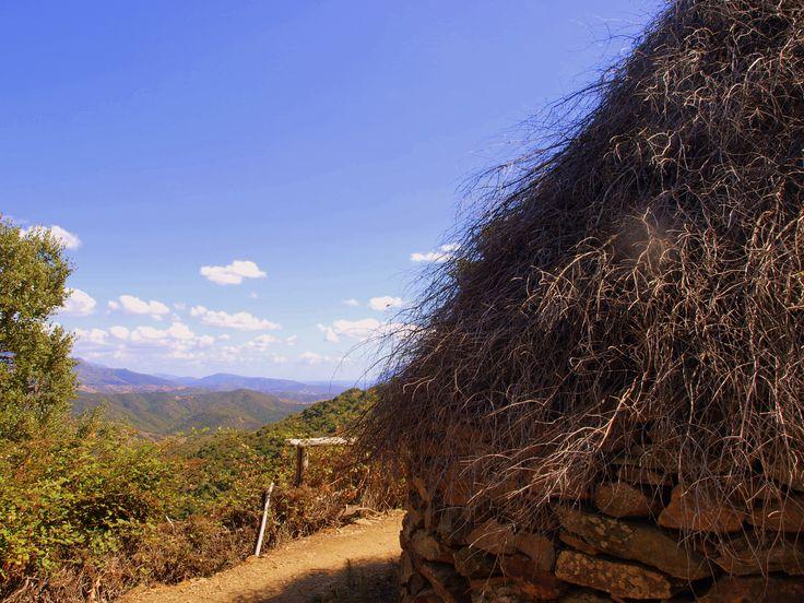 Su Pinnettu, l'antico rifugio dei pastori, è il punto di sosta sulla strada della risalita