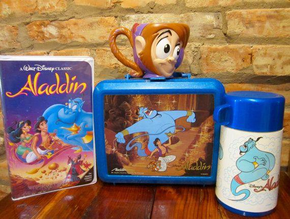 90s Aladdin Gift Set • Blue Plastic Aladdin Lunch Box With Genie Thermos • Abu Plastic 3D Cup • Aladdin VHS Disney Movie • 1992 Aladdin