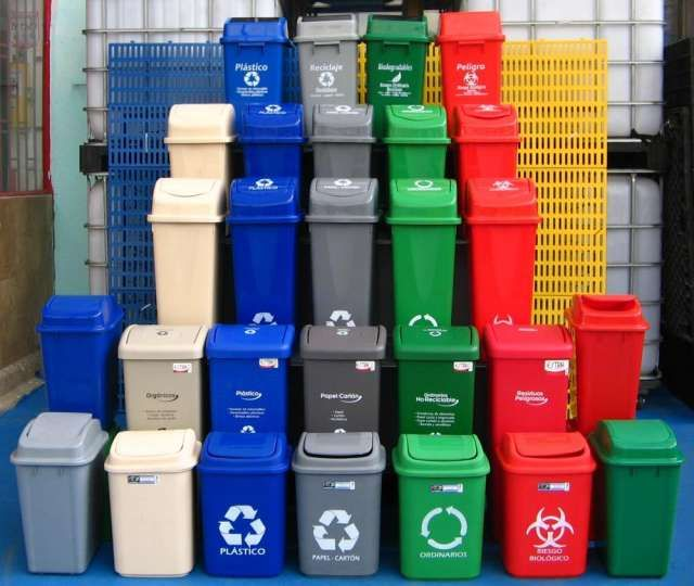 Vendo canecas plasticas  para reciclaje