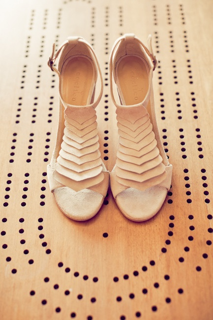love: Pretty Shoes, Summer Dresses, Wedding Shoes, Nudes Shoes, Bridesmaid Shoes, Nudes Heels, Geometric Design, High Heels, Bridal Style
