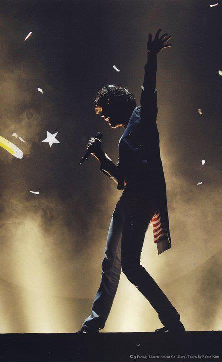 Mika's poses legendary!