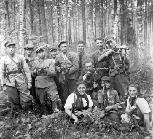 Lublin, Poland, Jewish and Polish partisans in the Yanov forest.