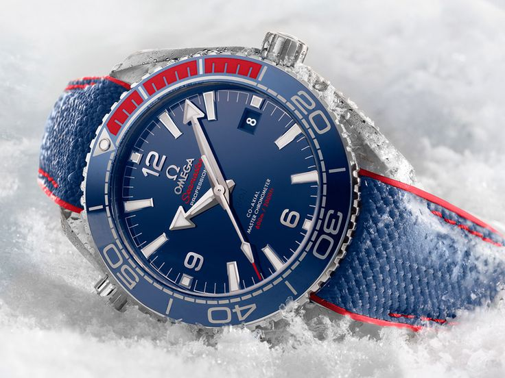 @omega released a new edition of their Seamaster Planet Ocean 600M called Pyeong Chang namely for the 2018 Winter Olympics and this is the new color combination. It takes inspiration from the Korean Flag...❄