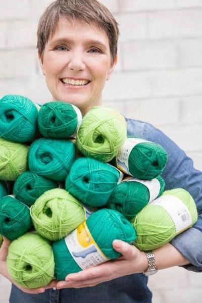 Mein Sockenmoment Nr. - 1 Tanja Steinbach auf individuellen Sohlen: Strukturmustersocken in der Trendfarbe greenery