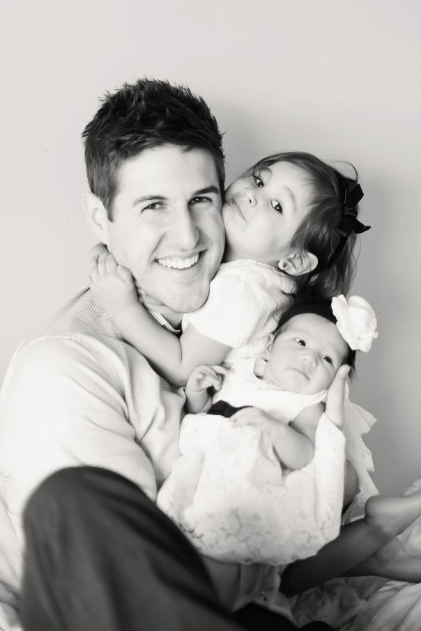 beautiful photo with daddy, older sibling and newborn! MyChicBump @copyright