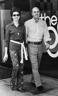 #TodayInCAHistory On 9/27/2009, 2011 CA Hall of Fame inductee Donald Fisher passed away after a battle with cancer at the age of 81. A lifelong Californian, Fisher is largely credited with revolutionizing the retail industry with the creation of Gap in 1969 on Ocean Avenue in San Francisco. Today, Gap Inc. operates more than 3,200 stores around the world under the popular brands Gap, Banana Republic, Old Navy, Piperlime and Athleta.