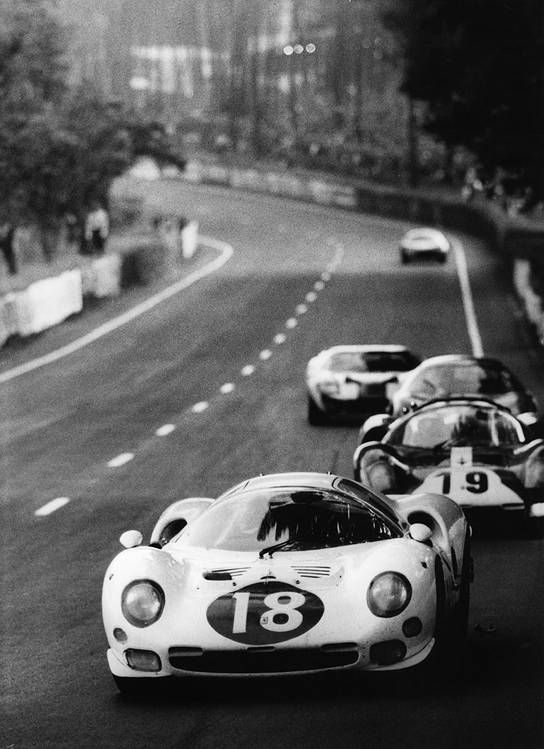 Le Mans 24h 1966: The 365 P2 s/n 0838 of the N.A.R.T. got a new body from Drogo for the '66 season. The car with it's long tail was nicknamed White Elephant. At Le Mans, Masten Gregory and Bob Bondourant retired in the 9th hour.