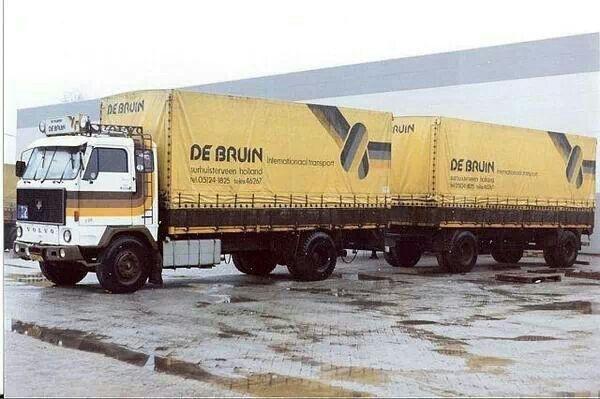 VOLVO F 89 4X2 huifcombinatie van de Bruin in Surhuisterveen