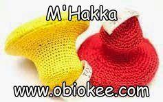 M'Hakka de Tiyya par ObioKee Cosmétiques aux couleurs du Monde. Pierre ponce en terre, enveloppée dans son crochet fait main aux couleurs Tiyya . Pour avoir des pieds doux, faites un gommage des pieds au moins une fois par semaine. Commencez par tremper vos pieds dans de l'eau chaude savonneuse pendant 10 minutes. Massez-les délicatement en insistant sur la zone la plus rugueuse. Frottez en douceur les peaux mortes à l'aide de votre Mhakka pour obtenir une peau plus tendre et bien soignée.