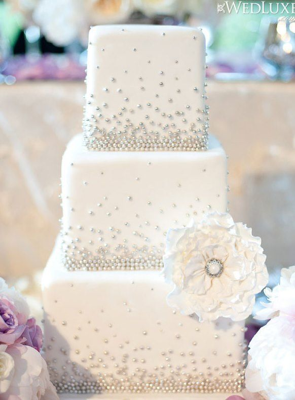 Stylish-White-Wedding-Cake-with-silverpearls.jpg (582×790)
