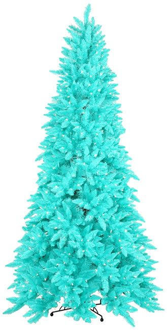 Turquoise tree! Not normally something I would like..but I'm picturing it with starfish and white shells. Super cute beachy tree.