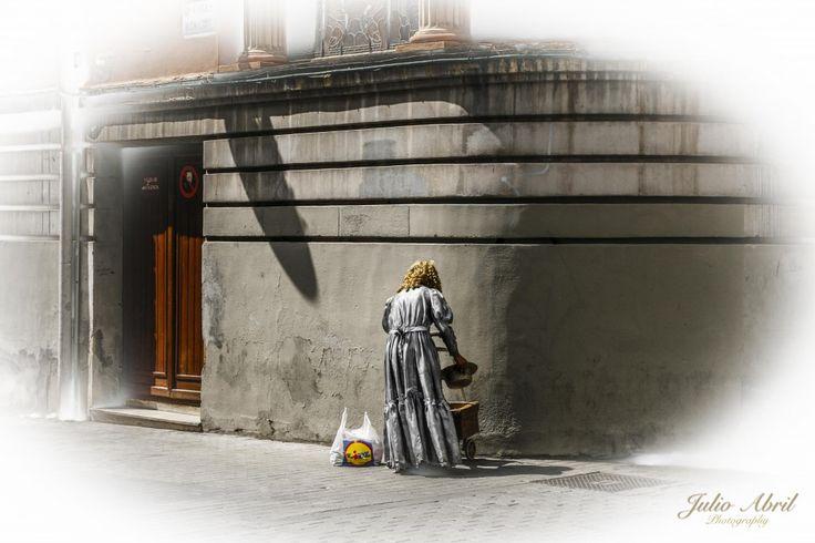 Hago un Descanso, detalle del festival de estátuas humanas  de Valladolid del años 2012