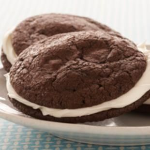Brownies and Cream Sandwich Cookies: Almost like ice cream sandwiches, but without the ice cream headache! Chocolate and vanilla are always an incredible combination, especially when it's Duncan Hines Dark Fudge Brownies and Chocolate Chunks.