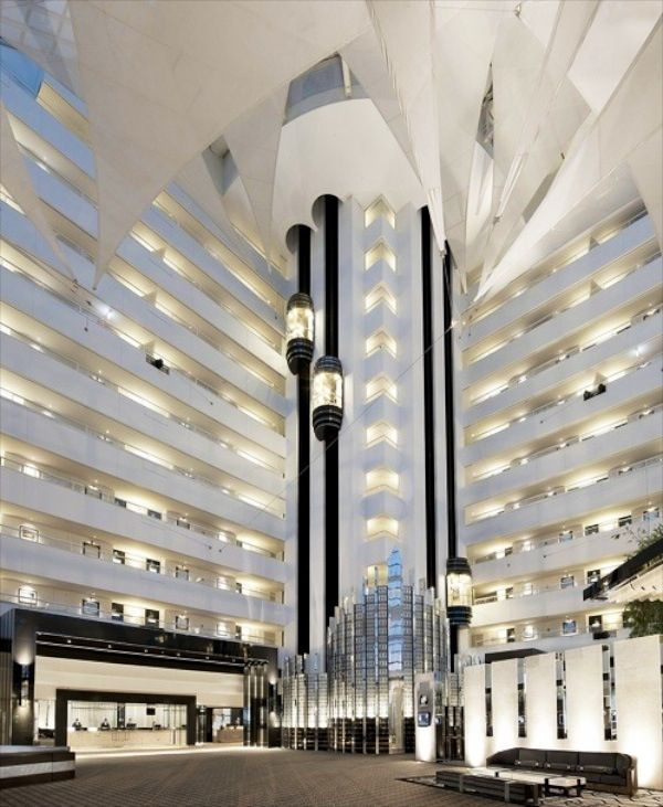 Fabulously designed lobby of 6 star Crown Metropol Perth Resort Hotel and Casino, an amazing establishment and best entertainment in Perth, theres cafes, bars, clubs, restaurants, lounges, pools, golf, tennis, theatre... You name it, they've got it!