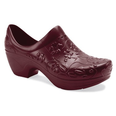 Dansko Women 39 S Pixie Molded Clog Scruuuuuubs Pinterest Shoes Clogs And Women 39 S