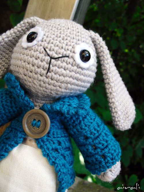 Amigurumi Peter Rabbit : #crotchet #animals #toys #crotchetanimals Crotchet Animals ...