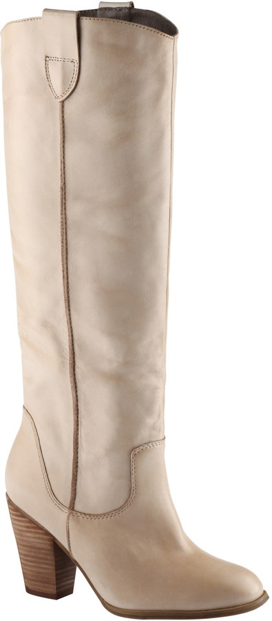 Aldo Swam - similar to the D.Co boots Nina wears on Offspring!