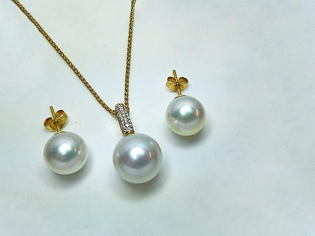 #Diamonds and #Pearls @Hatzi #Jewellers
