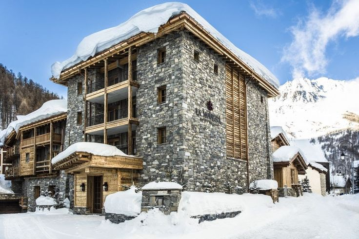 LA MOURRA HOTEL VILLAGE, Val d'Isère (French Alps) New 2016 A unique concept offering exclusive services in Val d'Isère. The Hotel La Mourra combines exquisite accommodation and fine dining in a beautiful, tranquil alpine setting.  Contact us for #ValdIsèreholidays! http://exclusiveluxurytravel.ro/vacanta-personalizata/