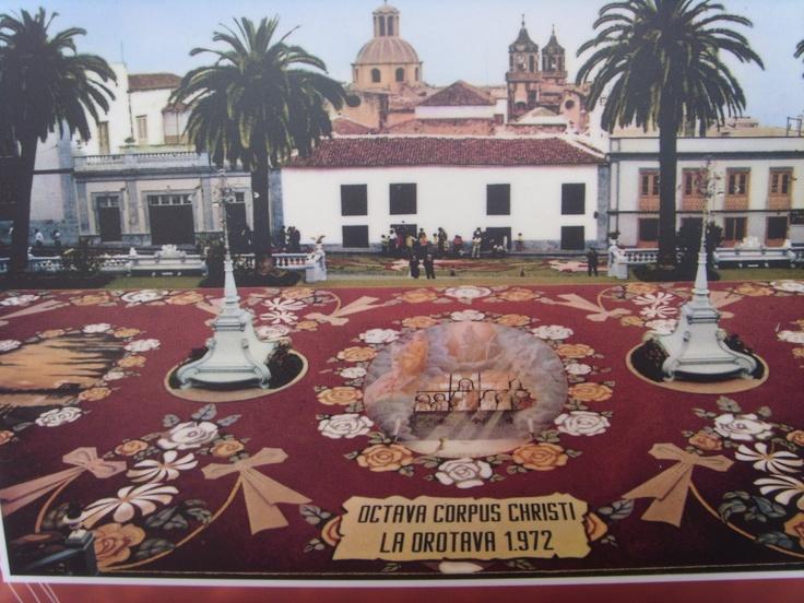 Villa de la Orotava, alfombra de arena realizada para la celebración del Corpus, año 1972