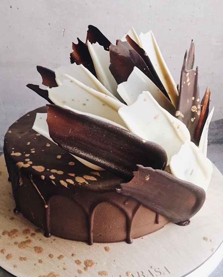 1,118 отметок «Нравится», 2 комментариев — Торты на заказ, кондитерская (@kalabasa) в Instagram: «Шоколадная тема раскрыта на 100%#kalabasa_feathers_cake //Мы открыты ежедневно по адресу…»