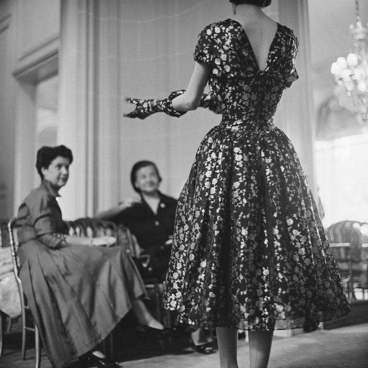 1953-54 - Christian Dior presentation | photo by mark shaw