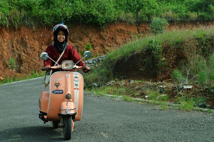 Ladies scooter in frame risma kancil #vespa #vespasuper #ladiesscooter #vespagirl #classic #vintage #retro #scooter