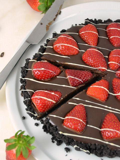 Tarta fácil de chocolate con fresas
