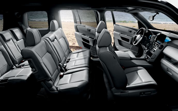 Eight people, plenty of gear or a combination of the two can fit comfortably in the Pilot | www.crownhonda.ca
