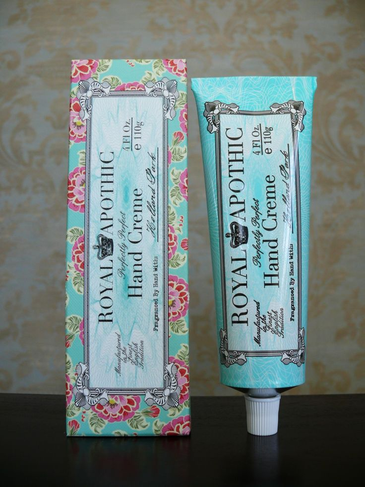 Beautiful hand cream made with micronized safflower oil to deeply hydrate while still being light to the touch and leaving a zero grease factor on the hands.  This soft White Floral scent features top notes of Lemon, Magnolia, and Peach, middle notes of Jasmine, Orange Blossom, and Lily of the Valley, over a base of powdery White Musk.