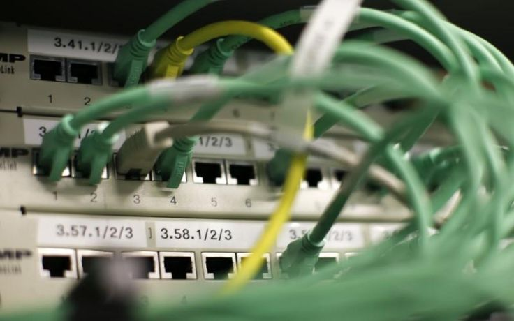 German coalition would create legal right to fast internet: Bild